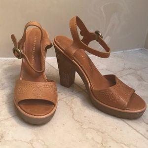 Super fun pair of Marc Jacobs heels